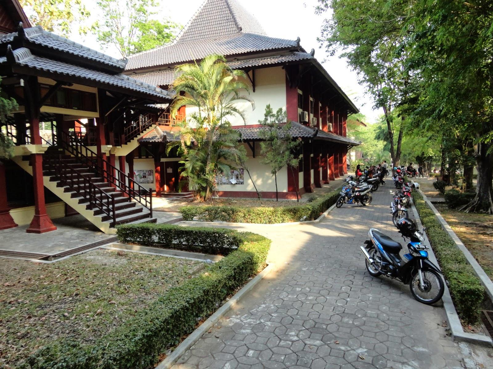 Banyumas Bamboo Gamelan - Traditional Music From Central Java