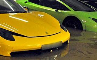 Bila tempat Anda rawan banjir sudah dipastikan akan repot ketika hujan datang Merawat Mobil Pasca Banjir