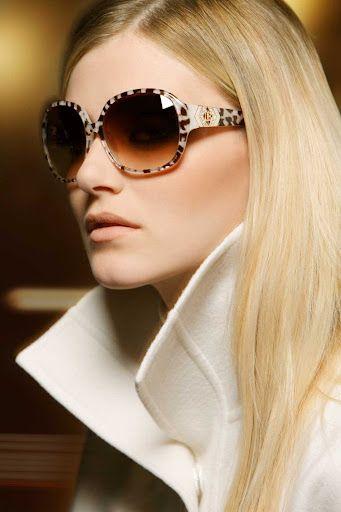 Óculos de sol com estilo Laura Biagiotti
