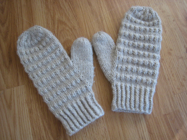 Knitting Yarn Weights Explained : Spicy jellybean kids corrugated mittens