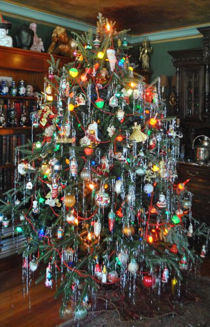 Lines from Linderhof - Lines From Linderhof: The Christmas Tree 2012