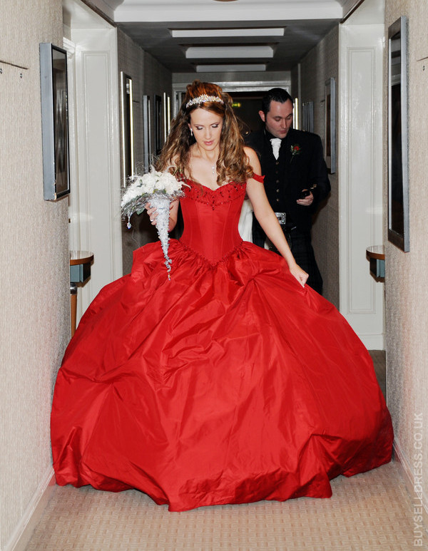 Red wedding dresses plumede for Red and white wedding dresses 2012