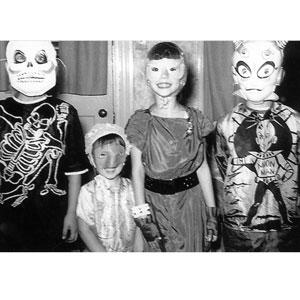 niños con disfraces de halloween dia de las brujas