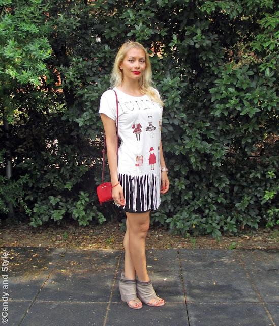 FringedShirt+MiniSkirt+PeepToeBooties