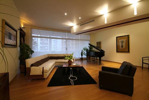 Hogares frescos departamento chelu por din interiorismo for Diseno interior departamento