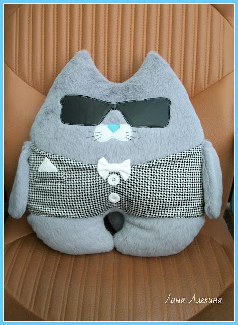 подушка в машину, кот