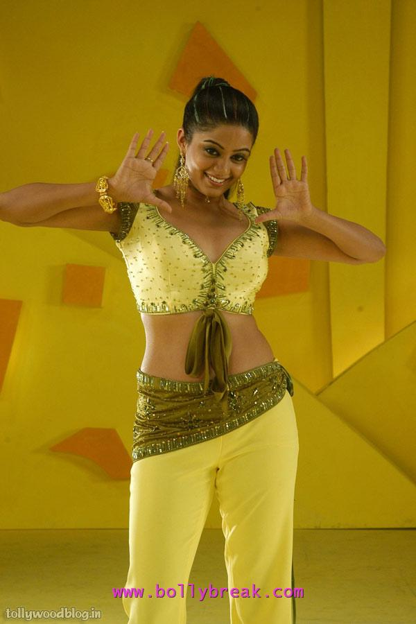 Priyamani yellow dress bet movie - Priyamani Hot Navel Pics From Bet Movie