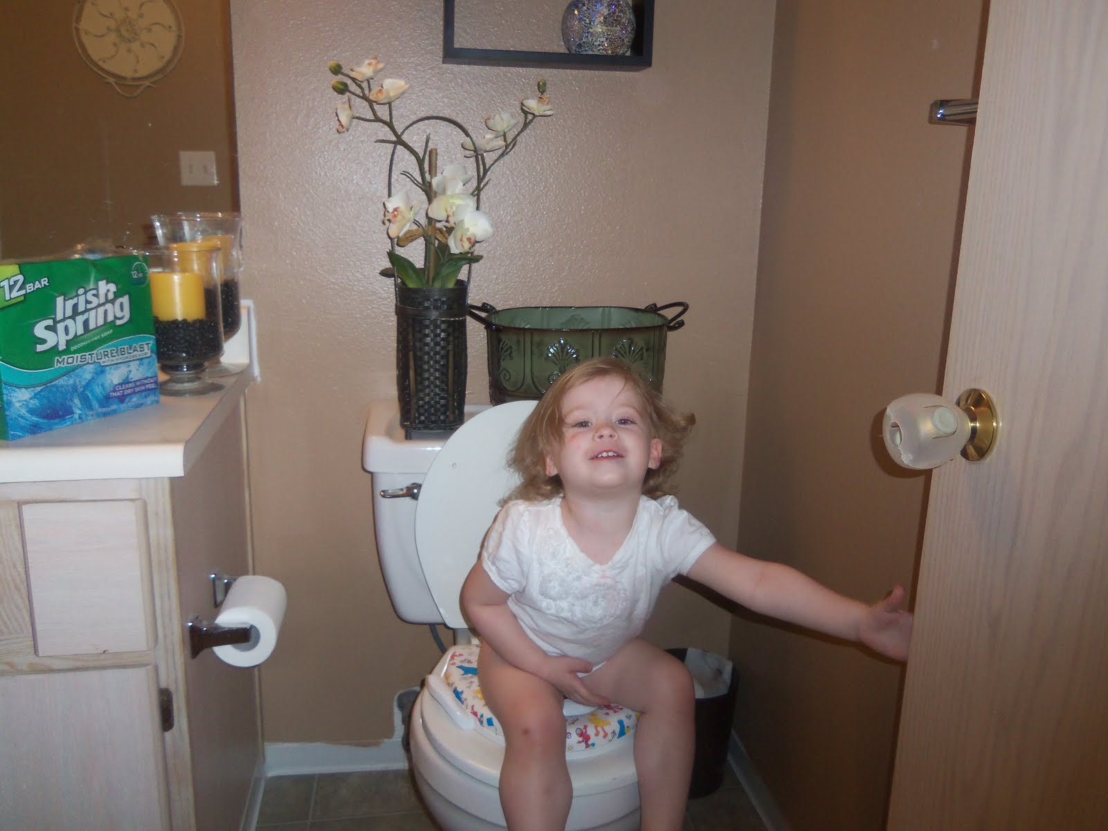 Pampers potty training kit free, little girl potty time ...