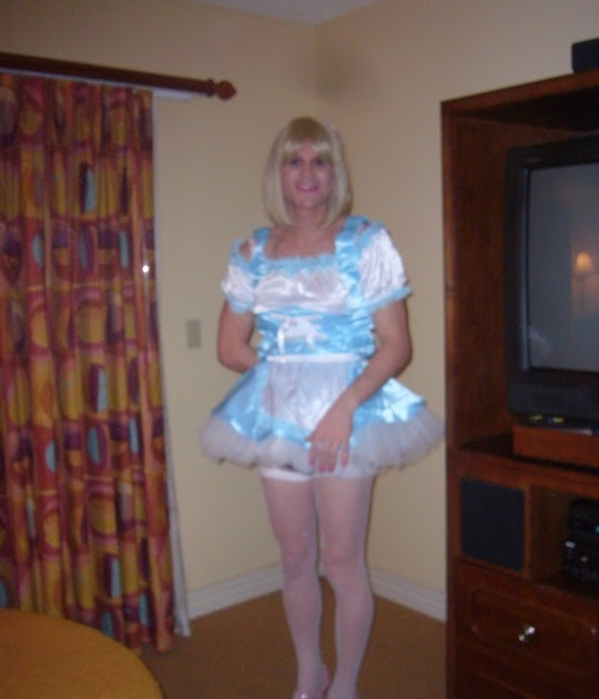 daily sissy photo frilly fun
