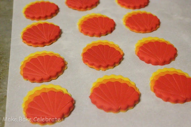 how to make fondant scoop wheels
