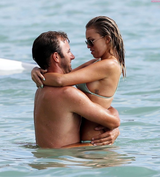 Paulina-Gretzky-Hot-Photos