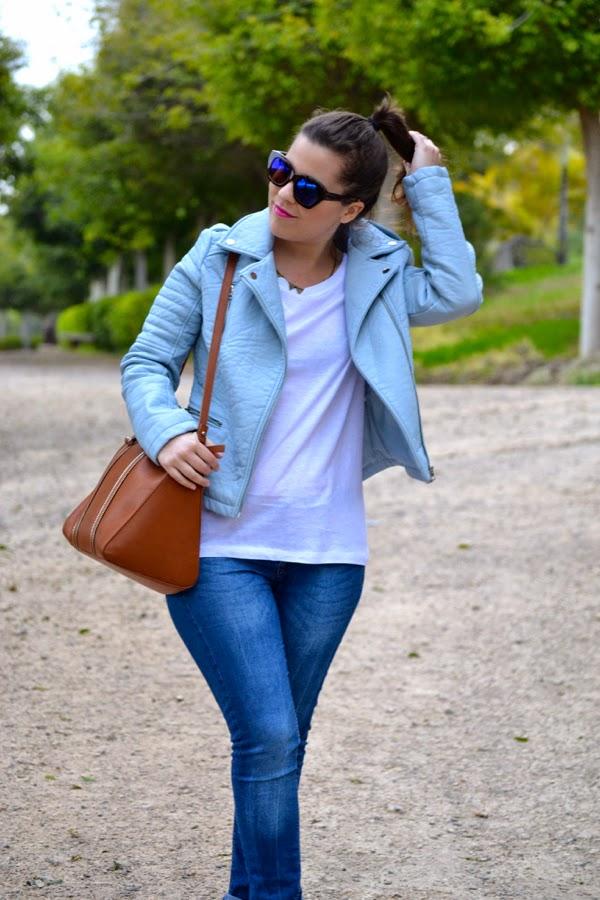 look_cazadora_azul_bebe_clon_zara_primark_stan_smith_lolalolailo_03