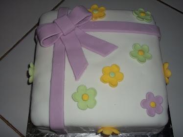 Cake Coklat with Fondant (Flower)