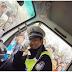 Kerana Ketampanannya Polis Ini Di Serbu Wanita-Wanita Cantik