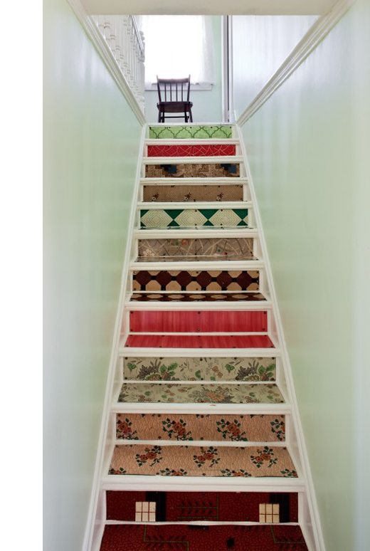 dishfunctional designs intimate stairs painted stenciled wallpapered. Black Bedroom Furniture Sets. Home Design Ideas