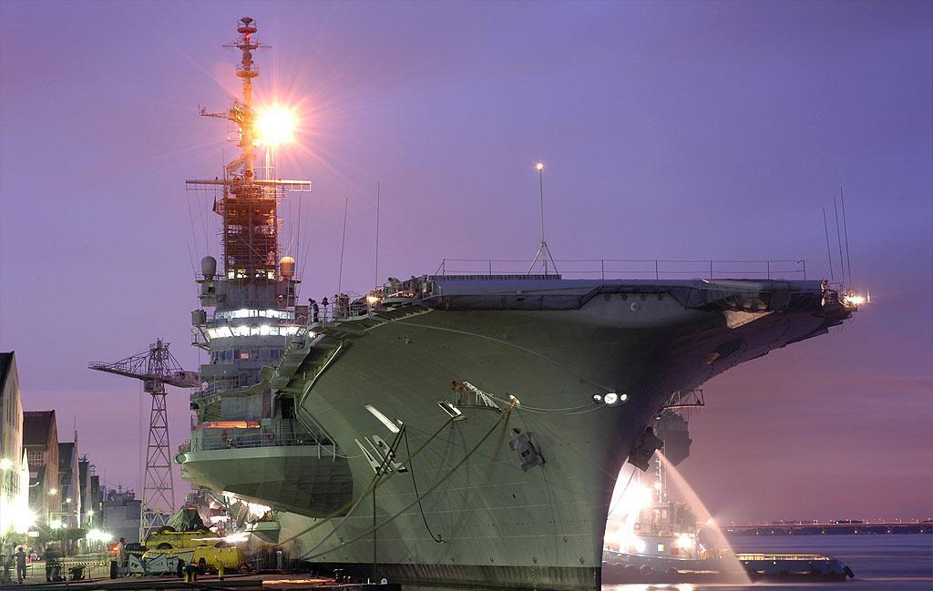 Marinha do Brasil prepara NAe São Paulo (A-12)