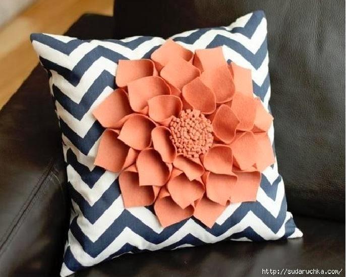 Making A Decorative Pillow : DIY Felt Flower Pillow - The Idea King