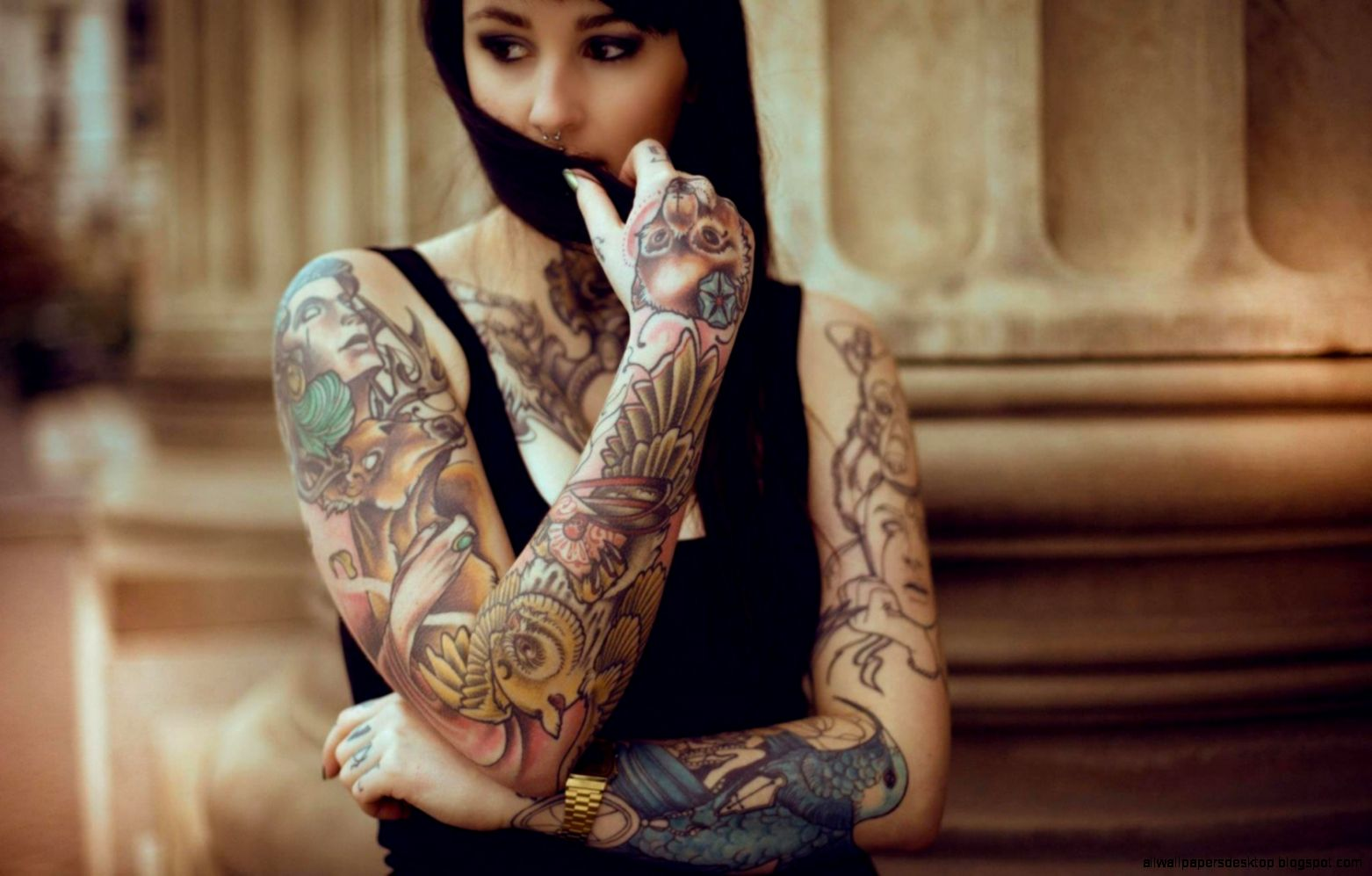 Brunette Girl Tattoos Gloves Photo 7028994