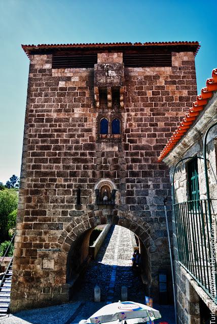 Torre puente ucanha
