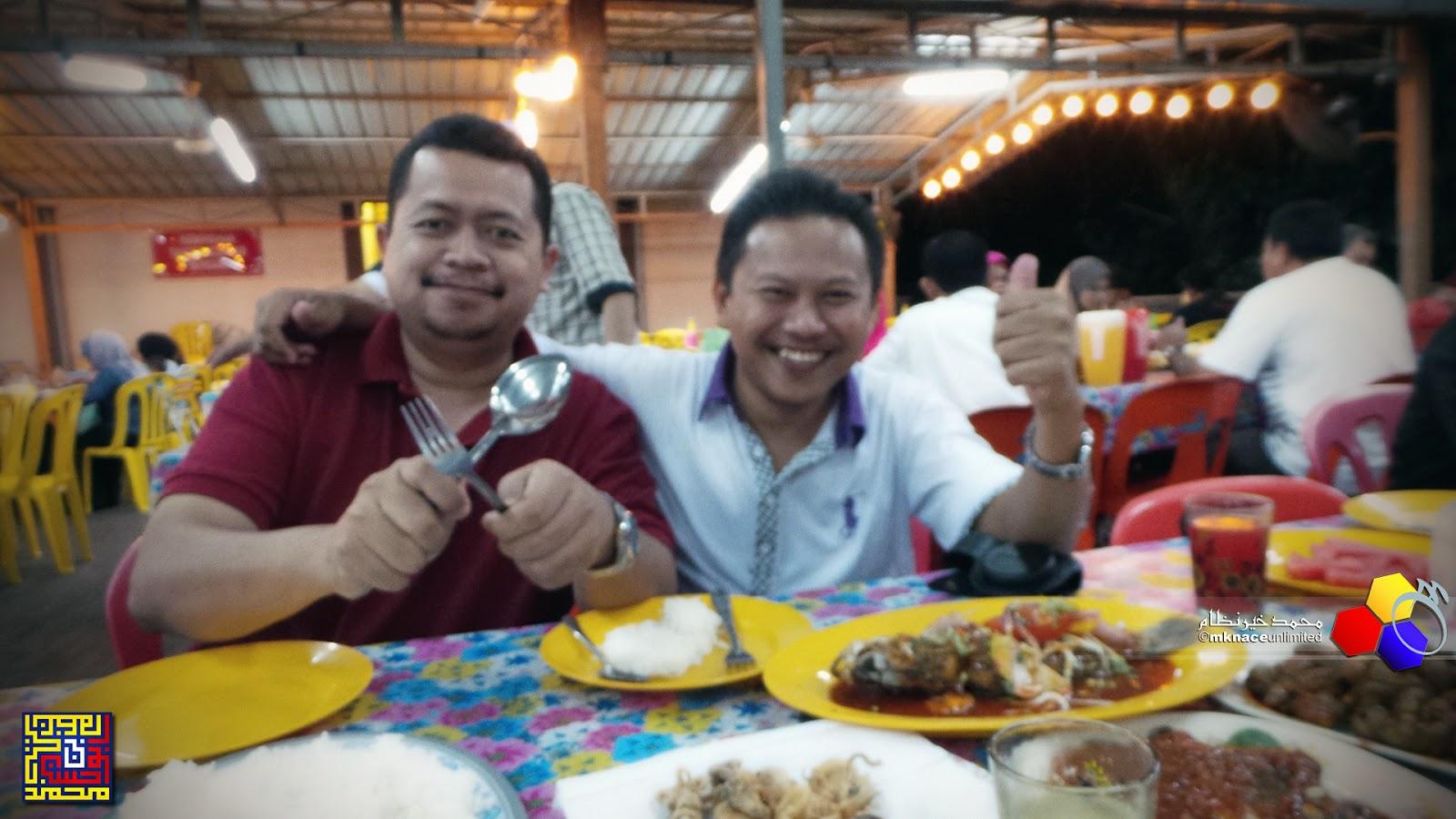 Makan malam di Medan Ikan Bakar Sabak Awor