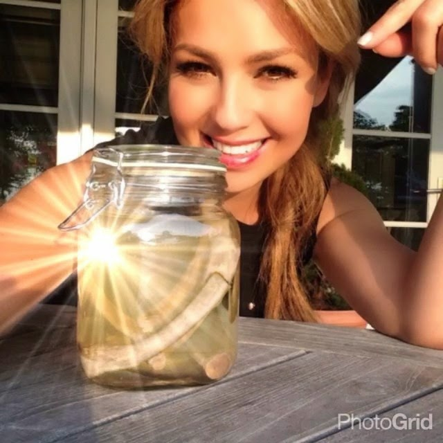 Had Thalia removed a pair of ribs from her body?