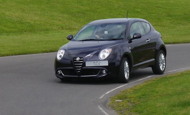 Alfa Romeo Mito TwinAir cornering
