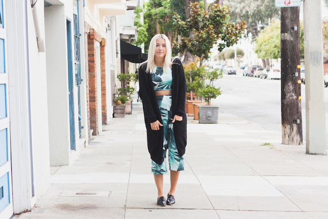 How To Wear Co-ord matching separate outfits and how to wear culottes or palm leaf print by Bryn Newman of Fashion Blog Stone Fox Style. Missguided matching set co-ords and loafers by Everlane