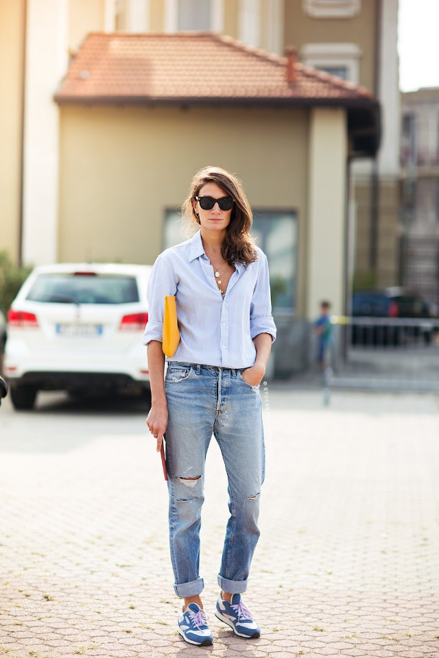 Boyfriend jeans and blue shirt