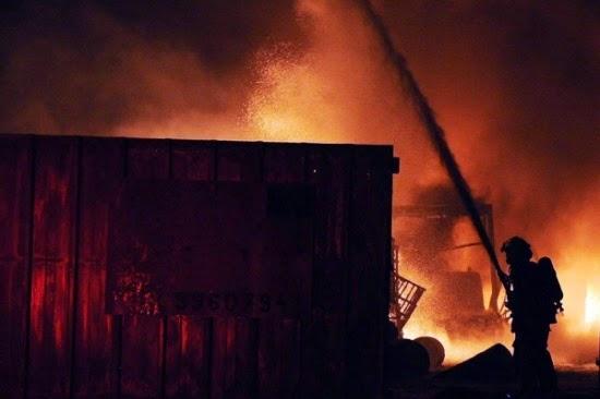 صواريخ المقاومة الفلسطينية تفجر مصنعا اسرائيليا وتصيب 3 مستوطنين