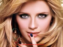 fashion designer Mischa-barton is the big hollywood and american actress and ocassional fashion model wallpapers free download