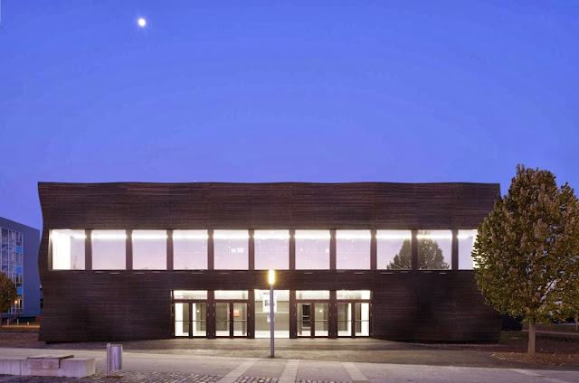 07-Lecture-Hall-by-Deubzer-König-Rimmel-Architekten