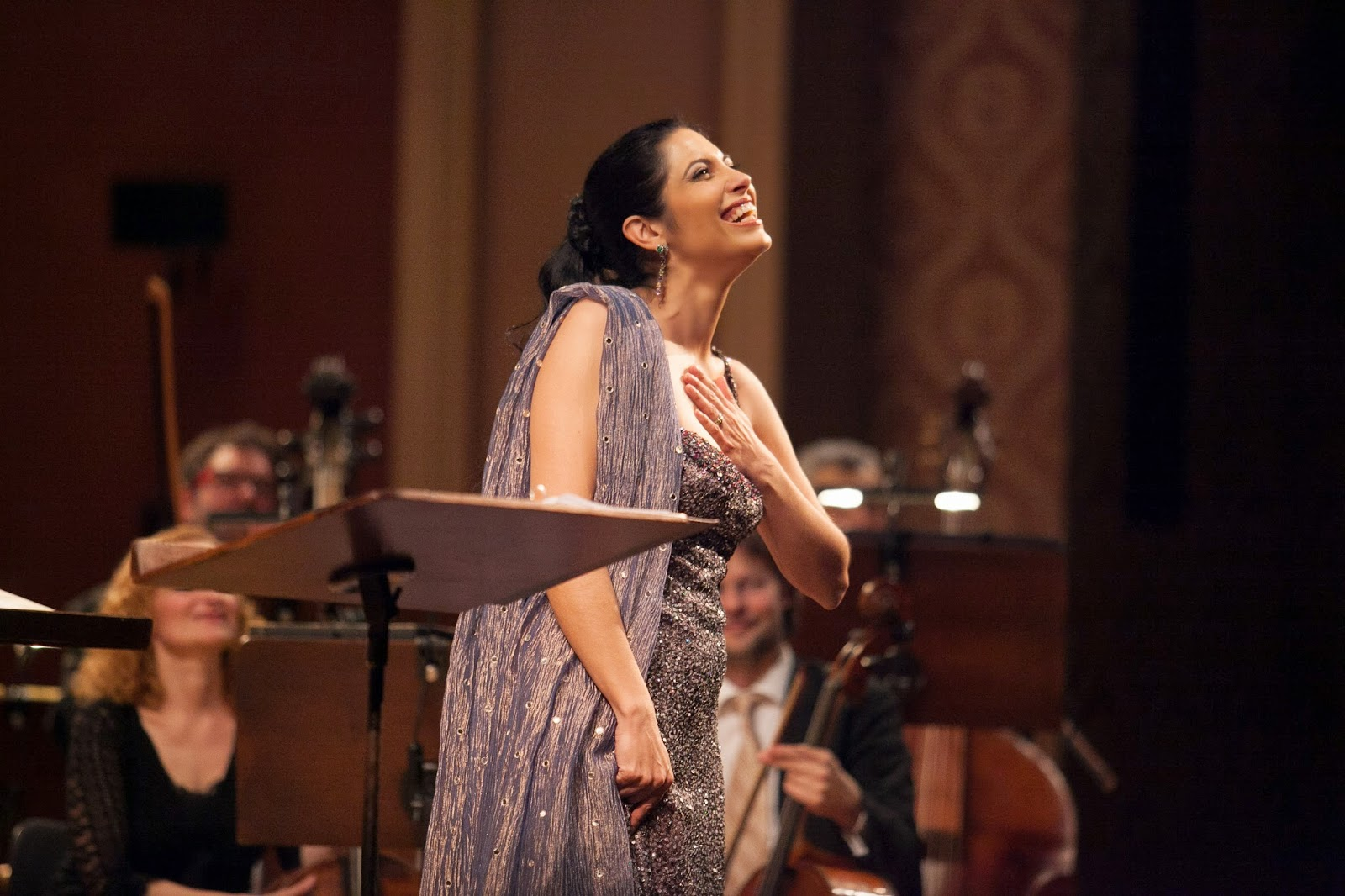 Vivica receiving the adulation of the Prague audience after her concert IL DIVINO BOEMO with Collegium 1704 and Václav Luks [Photo by Michal Adamovský, © 2014 by Collegium 1704]