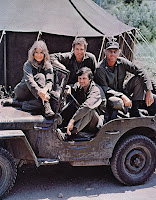 mash jeep Alan Alda Hot Lips Trapper John Henry Blake