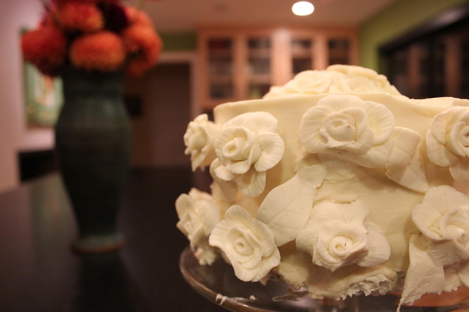 Life in Technicolor: Wednesday Ramblings & A Year-Old Wedding Cake: