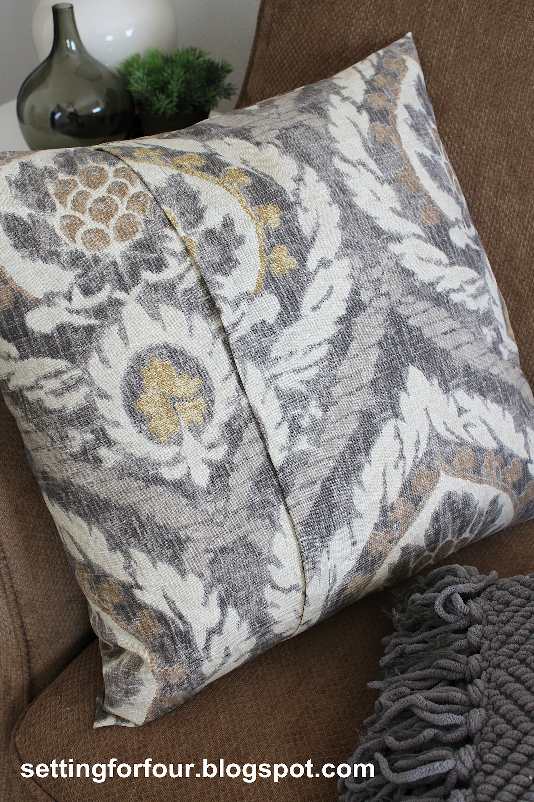 diy pillow cover 5 minutes to make setting for four make your own quick and easy pillow covers for your bedroom living room family