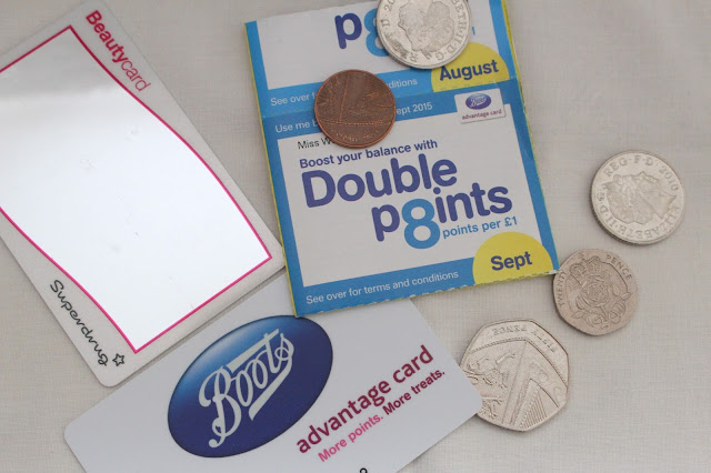 blogging budget money saving advice tips tricks