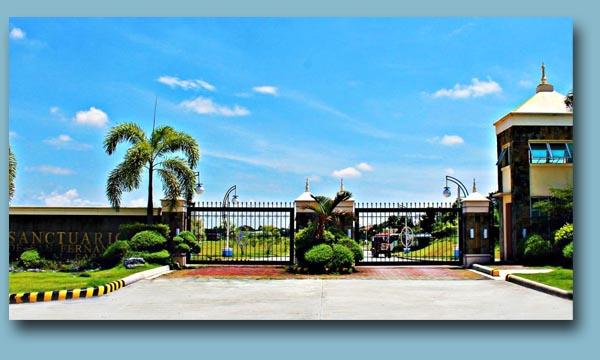 SanctuarioGate - Sanctuario De San Fernando Memorial Gardens