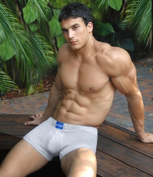 Young male bodybuilders xxx gay caught 6