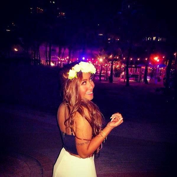Rafaella Beckran: la bella y sexy hermana de Neymar , jugador del F.C Barcelona , te traemos las imagenes más provocativas de esta joven que arrasa en las redes sociales.