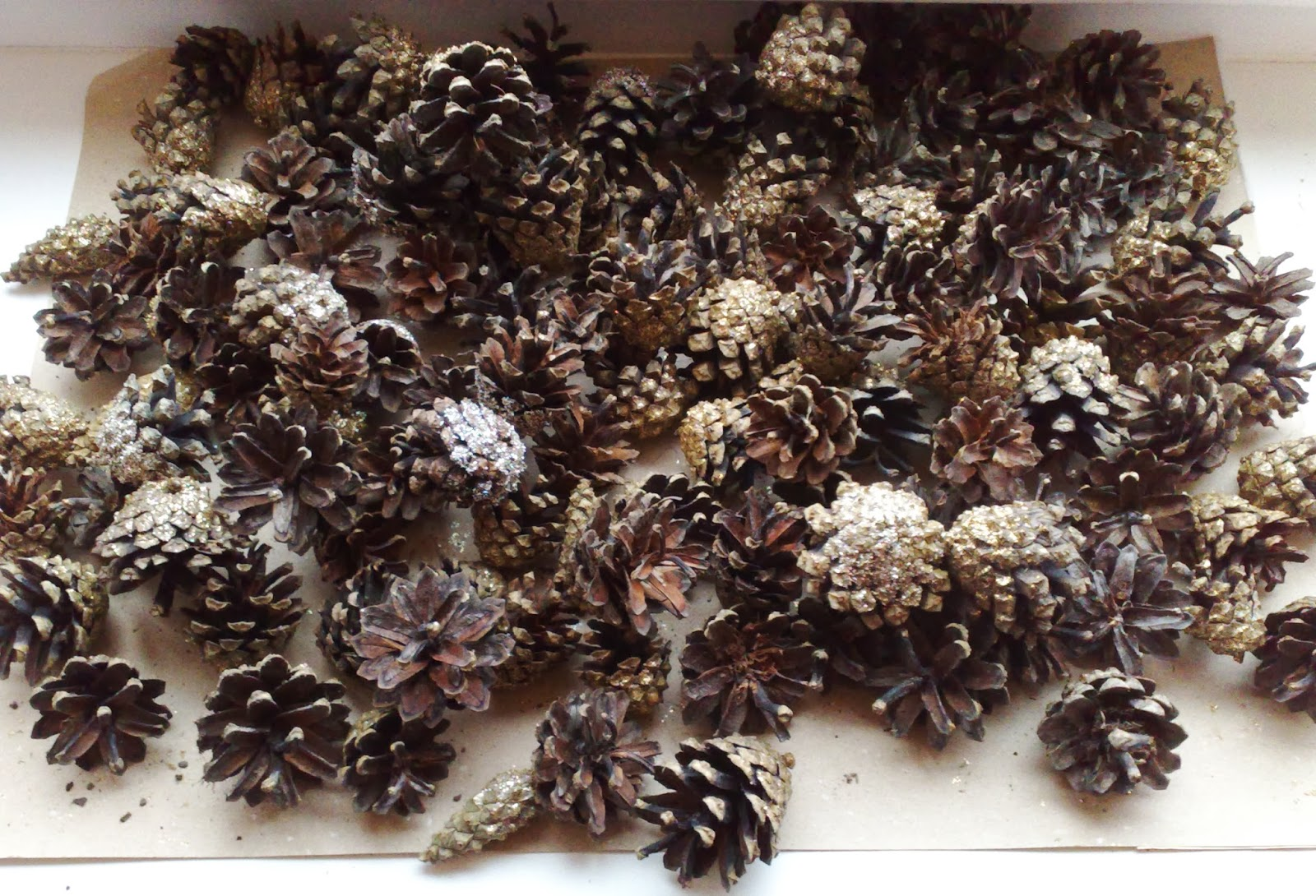 Ticklish Fingers: Pine Cones Dipped in Glitter