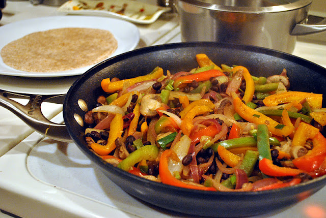 Vegetarian Fajitas and more healthy fajita recipe favorites on MyNaturalFamily.com #fajita #recipe