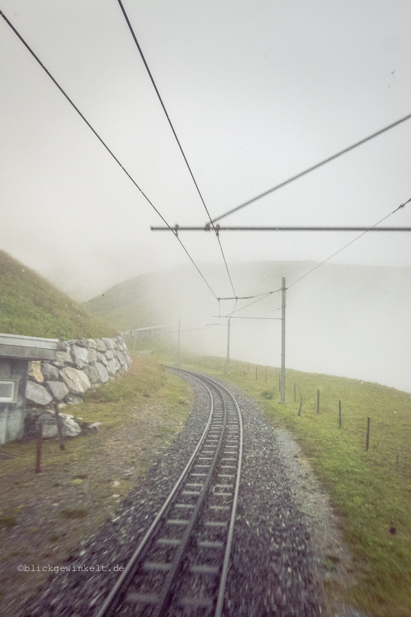 Gleis im Nebel