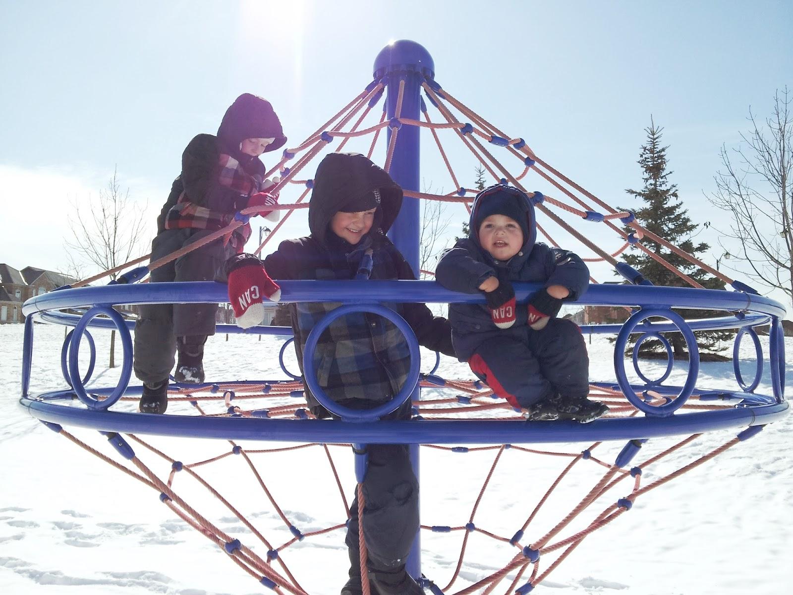 winter in the park, snow, kids activities