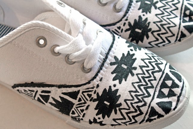 projects diy tribal print canvas shoes