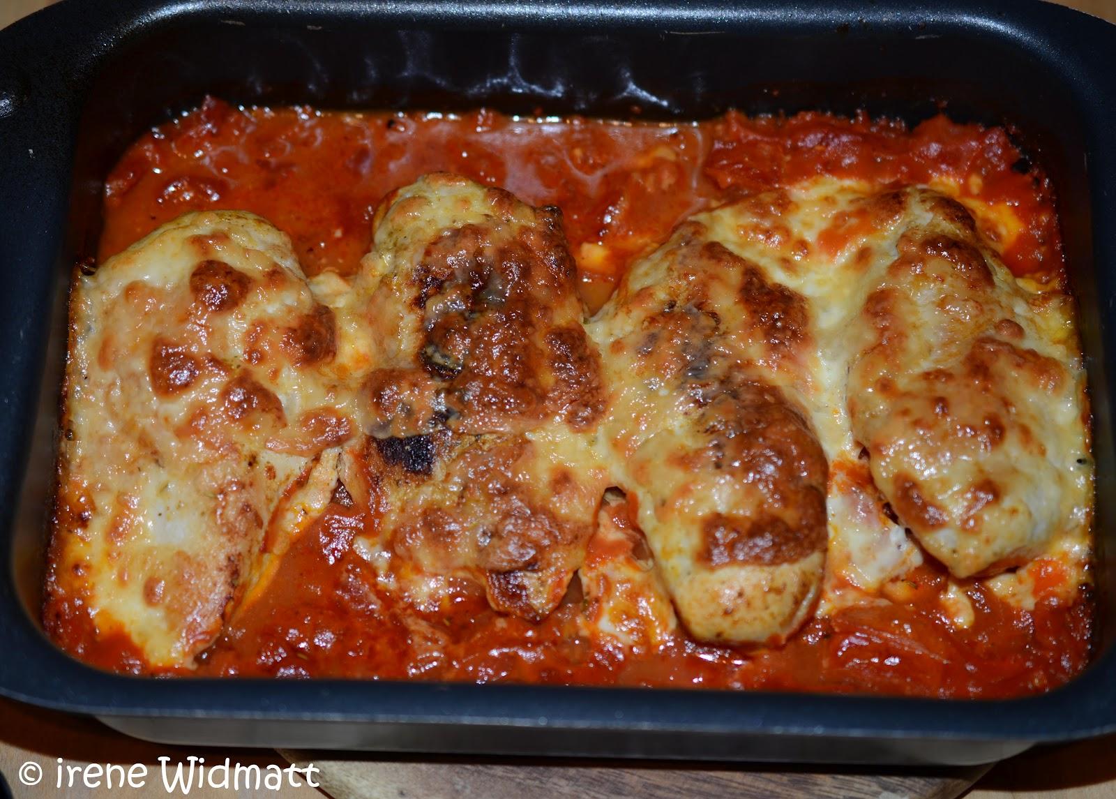 Poulet brust überbacken an tomatensauce