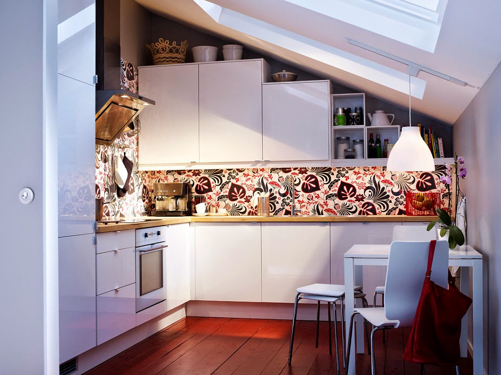 Decoraci n f cil 10 ideas para cocinas peque as small for Ideas decorar pared cocina