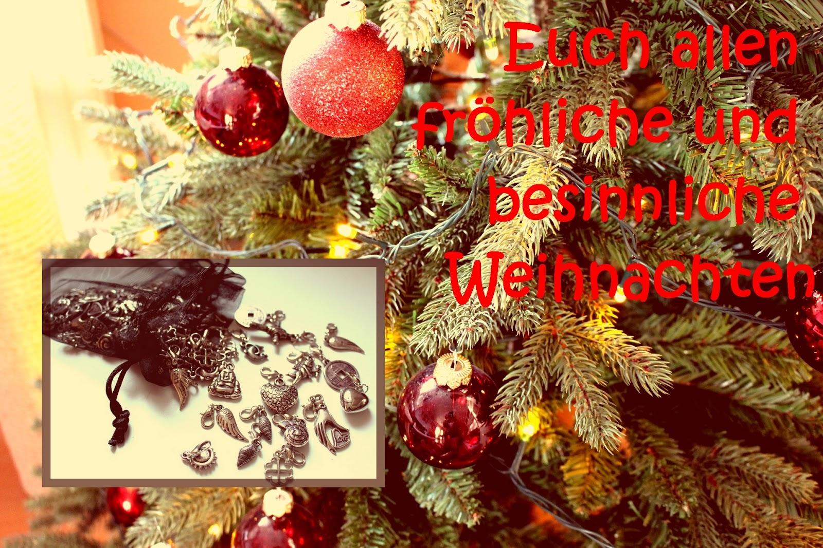 handgef rbtes von der regenbogenwolle fr hliche weihnachten. Black Bedroom Furniture Sets. Home Design Ideas