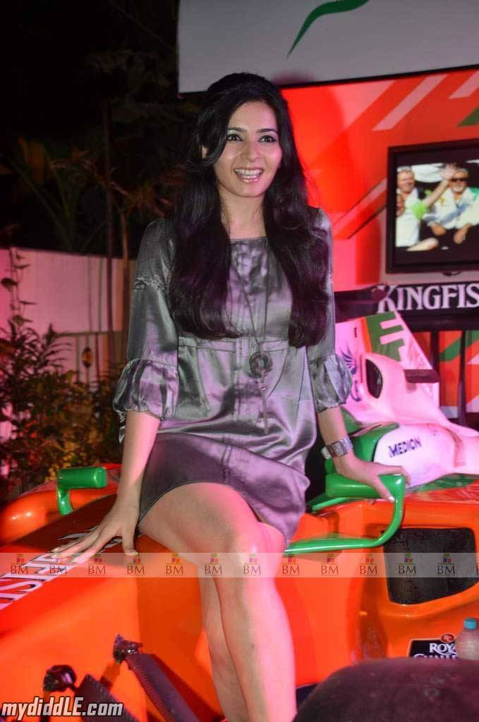 Hot Shonali Nagrani in Short Dress at Force India F1 Octane Night
