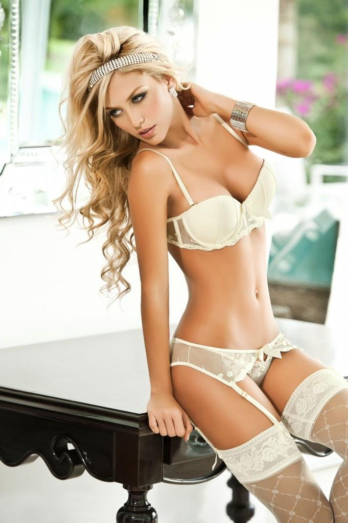 Lina Posada hot pictures