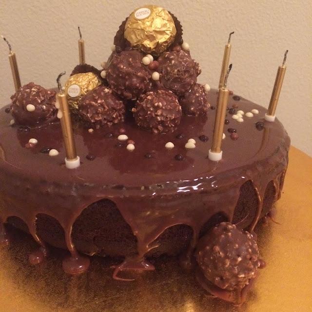 the retrograde cake >> STARTS WITH CUPCAKES
